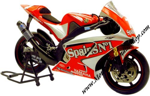 Carlos Checa Yamaha YZR M1 2004 1/10 scale model by Guiloy